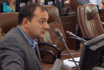"""""""Imposible estudiar 1400 páginas en dos días para discutir Proyecto de Acuerdo del sector salud. Se debe aplazar el debate"""": Manuel Sarmiento"""