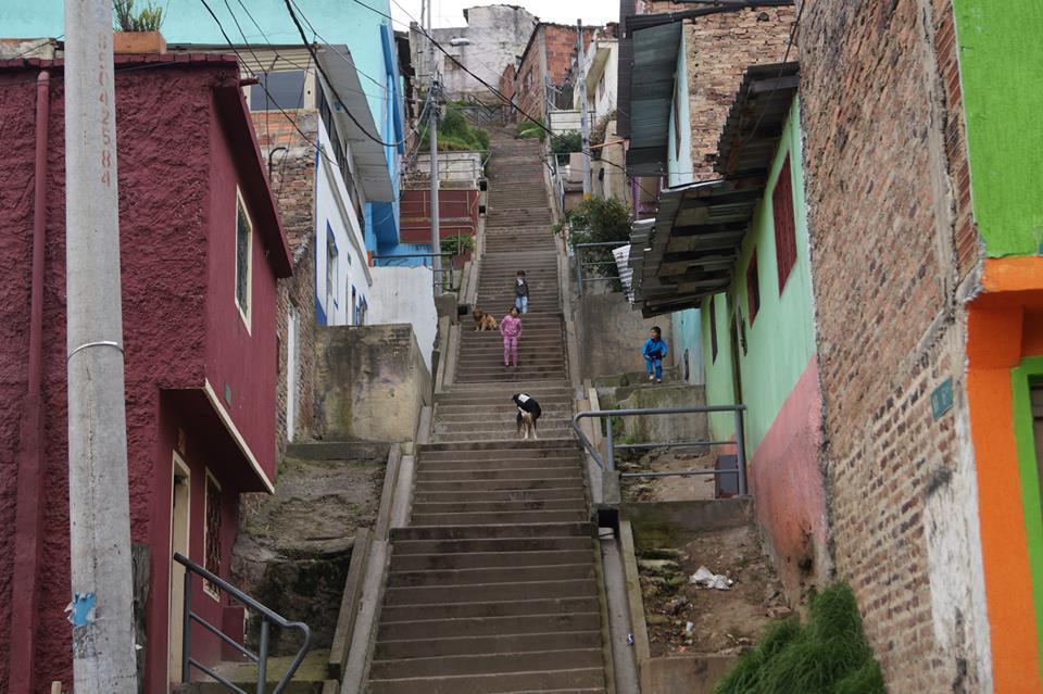[Carta a Secretaria de Hábitat] La continuidad en la política de reasentamientos para poblaciones en zonas de riesgo se está constituyendo en una de desplazamiento forzado y en beneficio de terceros en varios casos.