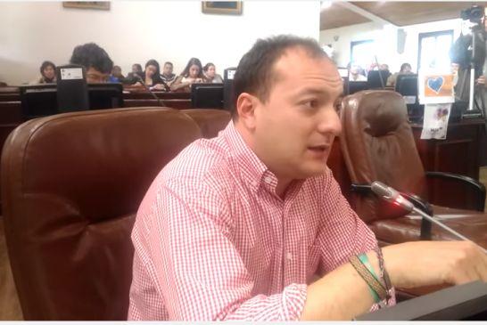 Transcripción: Se mantiene la esencia en la reforma tributaria de Peñalosa, golpear a las capas medias