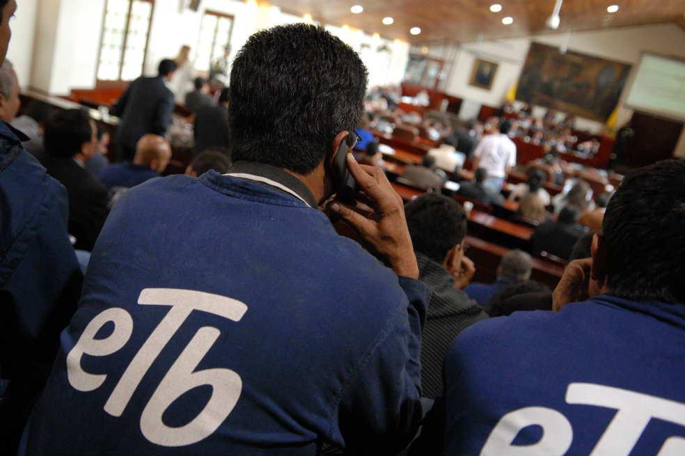 Peñalosa deberá responder en Cabildo Abierto por privatización de la ETB.