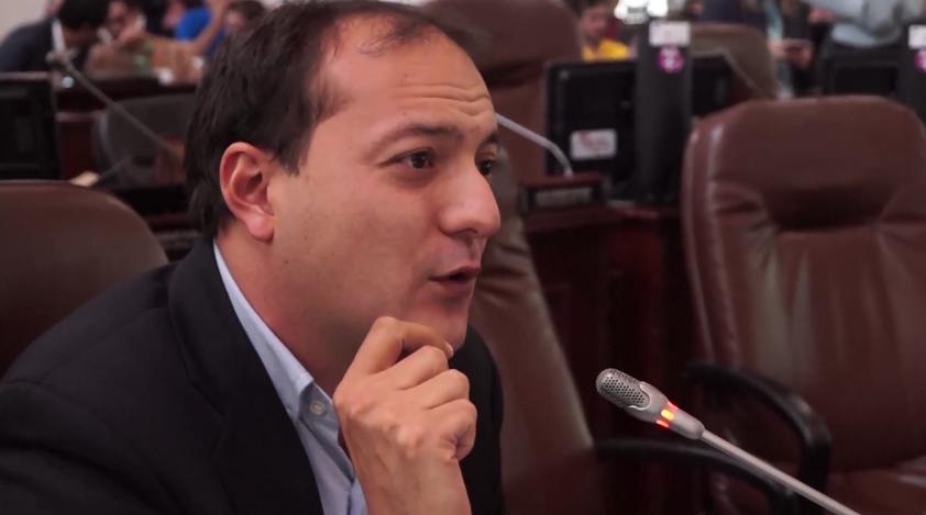 Concejal Manuel Sarmiento pide a Peñalosa que atienda las peticiones de trabajadores del sector salud del Distrito Capital.