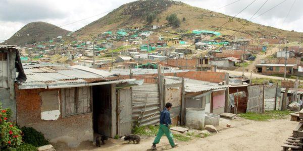 Por políticas de Santos y Peñalosa, en 2016 la pobreza aumentó en Bogotá: concejal Manuel Sarmiento