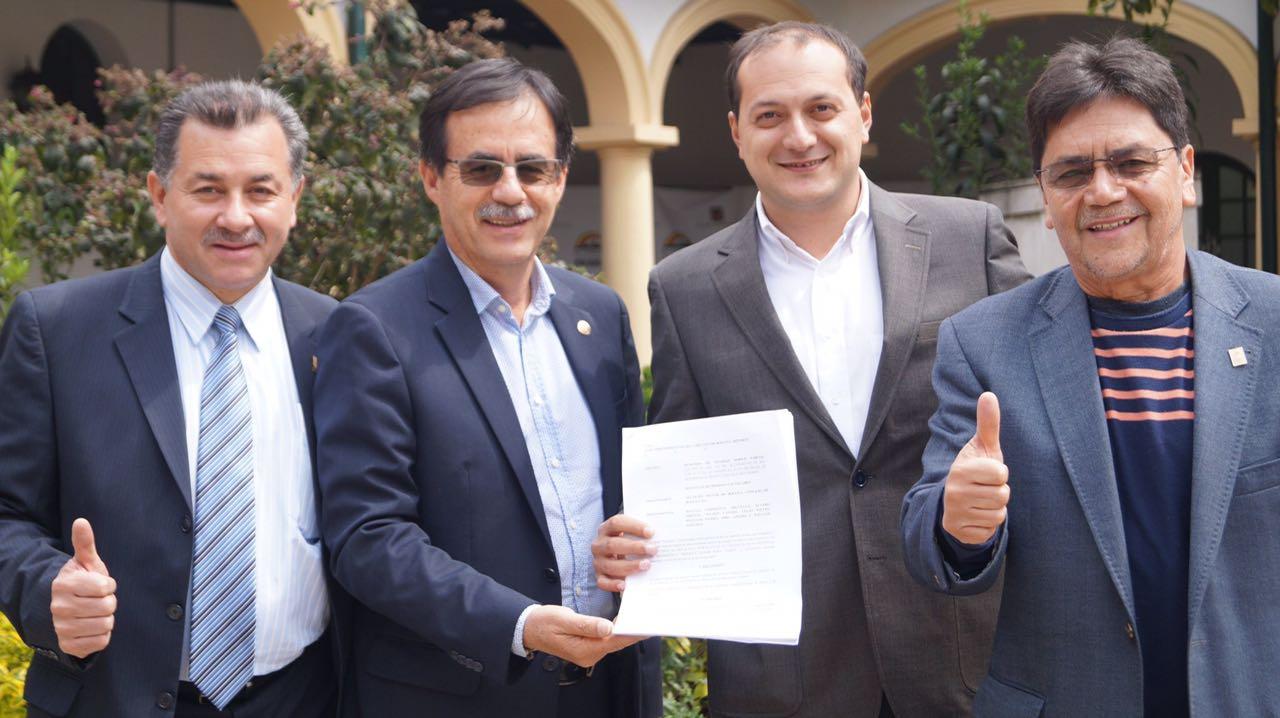 Juez admite demanda del Polo y Sintrateléfonos contra la venta de ETB