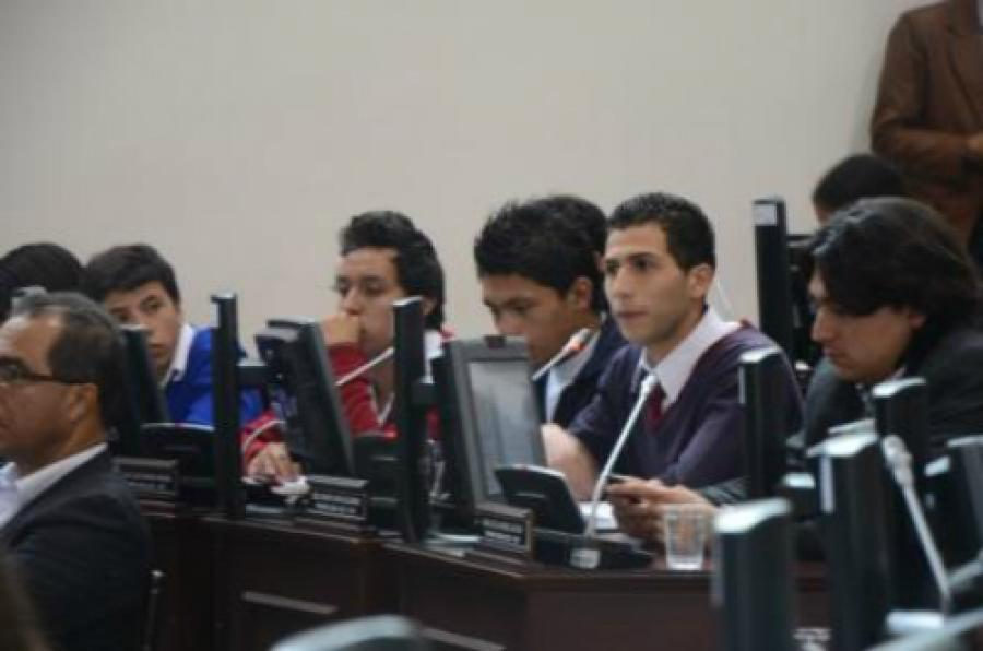Se deben atender las peticiones de los cabildantes estudiantiles: concejal Manuel Sarmiento