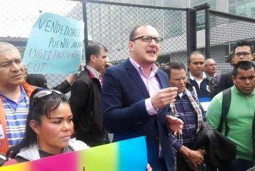 El alcalde Peñalosa debe respetar la Constitución Política y los derechos de los vendedores informales