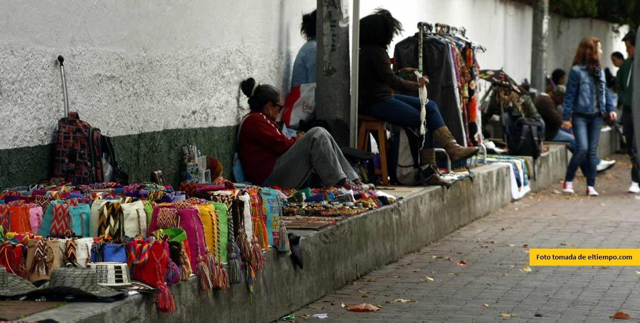 Se debe permitir a vendedores informales y artesanos trabajar en época decembrina, sin operativos policivos.