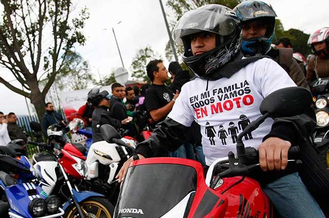 Prohibición del parrillero perjudica a miles de bogotanos, no mejora la seguridad y es ilegal: concejal Manuel Sarmiento