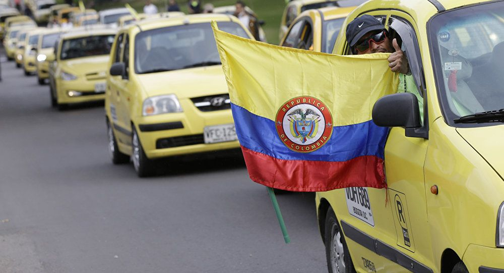 """Lucha del gremio taxista obliga a Bocarejo a denunciar penalmente a Uber"": concejal Manuel Sarmiento"