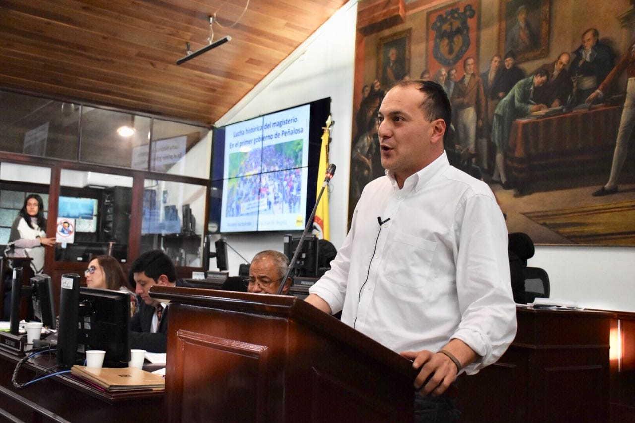 Polo Democrático Alternativo rechaza colegios en concesión de Peñalosa