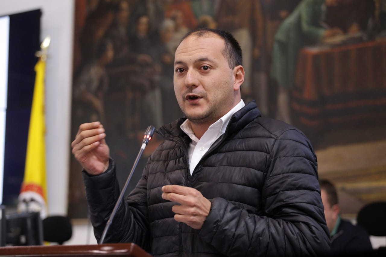 Peñalosa tiene que responder por las cifras mentirosas con las que se está formulando el POT: Manuel Sarmiento