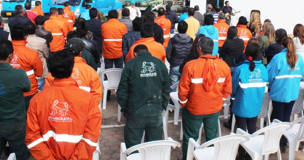 Concejal Manuel Sarmiento rechaza despidos injustificados en la Empresa de Acueducto de Bogotá.