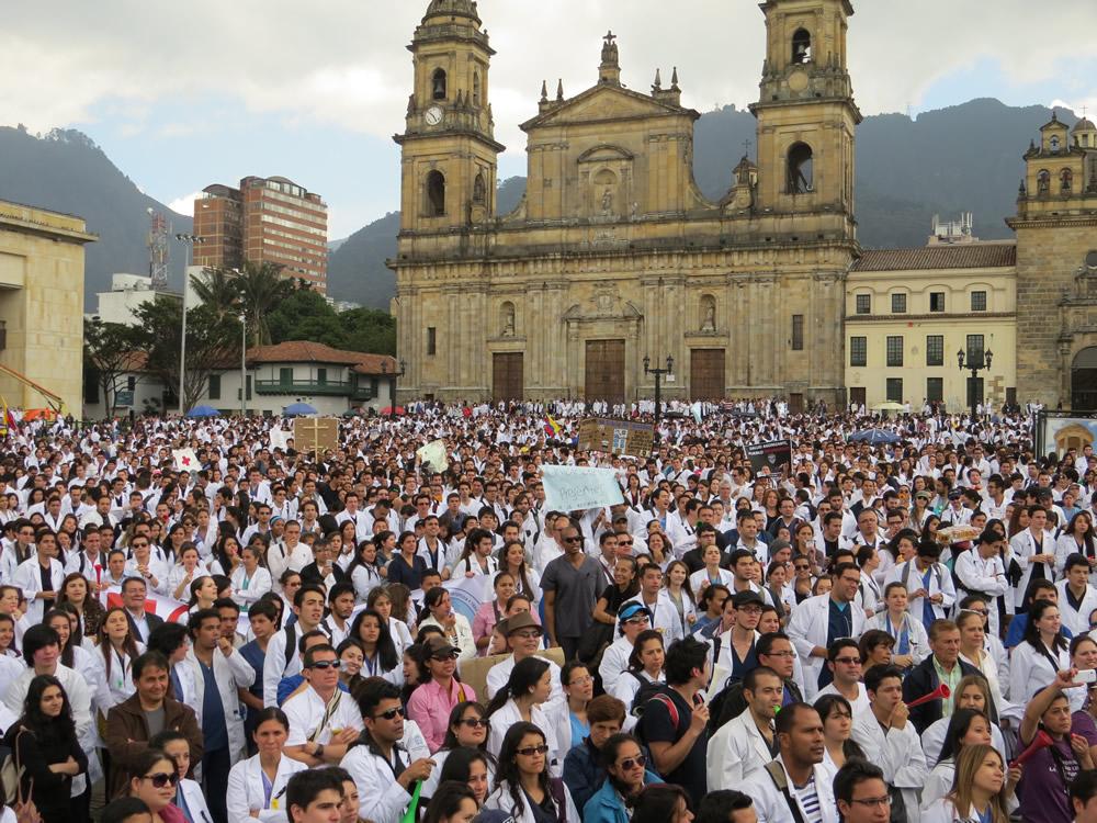 protestas-medicos-bogota-g1